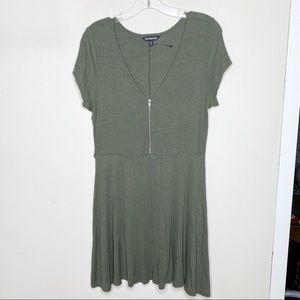 NWOT Express Olive Green Short Sleeve Dress Large